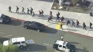 Dos morts i quatre ferits en un tiroteig en un institut de Los Angeles