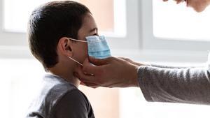 Preocupante incremento de contagios en niños y adolescentes en EE.UU.