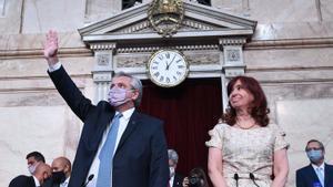 El presidente Alberto Fernández tras pronunciar su discurso en el Parlamento, en Buenos Aires.