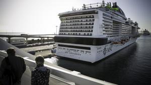 Un barco de MSC Cruceros, durante una escala en Barcelona hace dos años, en el Moll Adossat.