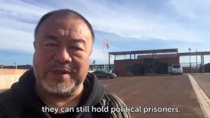 Ai Weiwei, a su salida de la prisión de Lledoners.