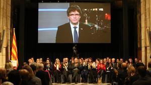 Carles Puigdemont interviene a través de videoconferencia en el acto de presentación del Consell per la República, en el Palau de la Generalitat.