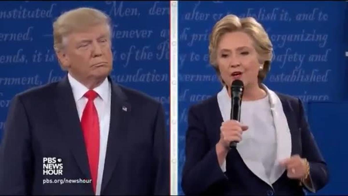 Este es el momento en que Trump replica a Clinton diciendo que si él estuviera a cargo de la legalidad en EEUU ella estaría en la cárcel.