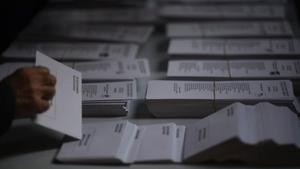 Coronavirus: La crisi del coronavirus plana sobre les eleccions basques i gallegues