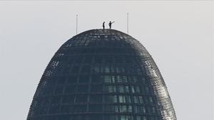 Un 'parkourista' francès escala per segona vegada la Torre Glòries sense mesures de seguretat