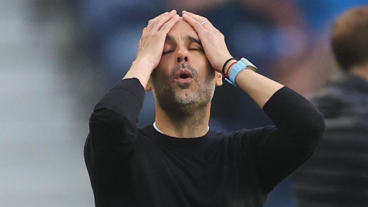 Guardiola se lamenta tras una ocasión fallada por el City.