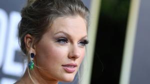 """Taylor Swift estalla contra Netflix por un chiste """"sexista"""" sobre sus exnovios en la serie 'Ginny y Georgia'"""