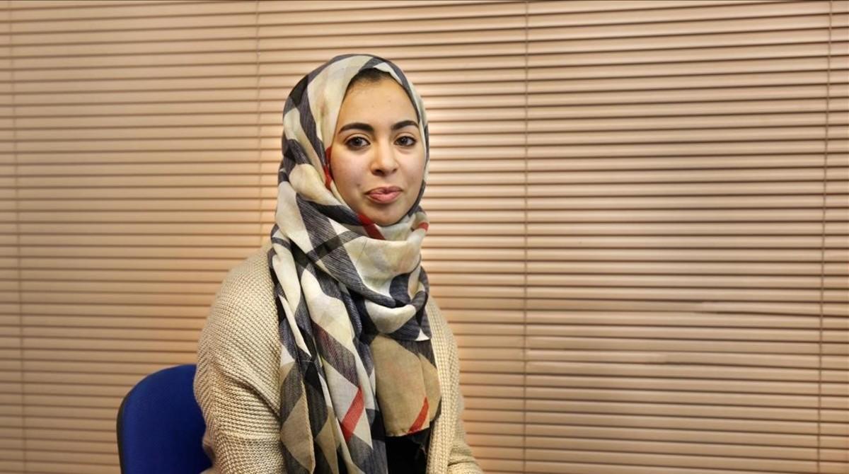 La activistaFátima Aatarantes de participar en un debateen La Fede, hace unos días.
