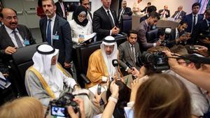 L'OPEP i Rússia prorroguen la retallada de producció petroliera
