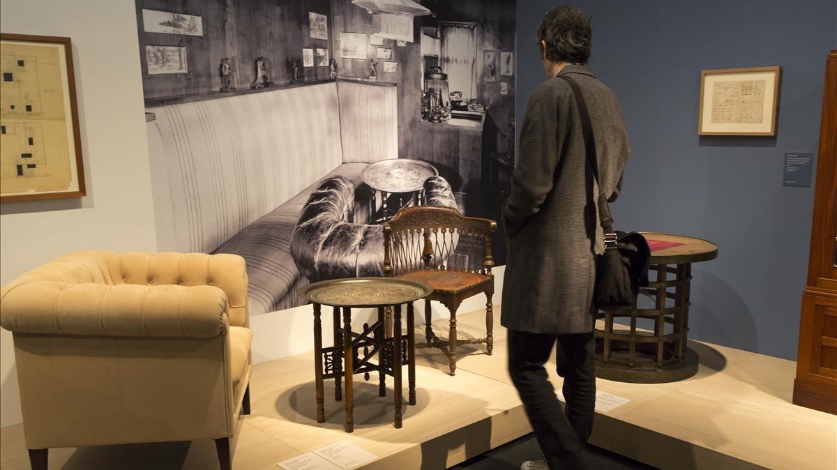 Una sala de la exposición 'Adolf Loos. Espacios privados', en el Museu del Disseny.