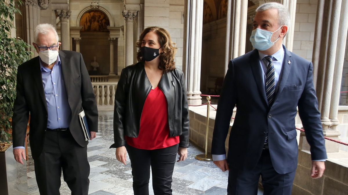 Ernets Maragall, Ada Colau y Jaume Collboni, este martes.