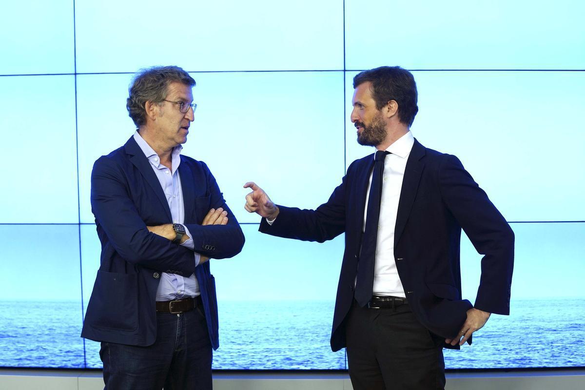 El líder del PP, Pablo Casado, y el presidente de la Xunta, Alberto Núñez Feijóo, en una foto del verano pasado