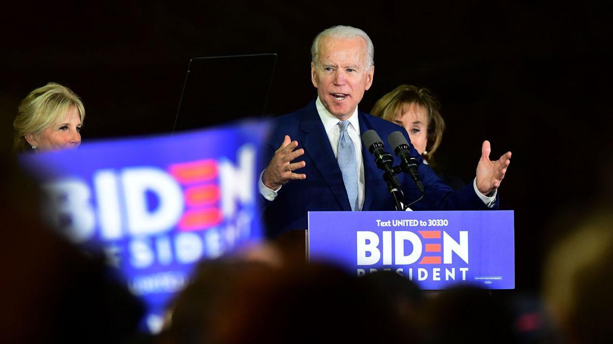 El supermartes demócrata consolida la pugna entre Biden (foto) y Sanders.