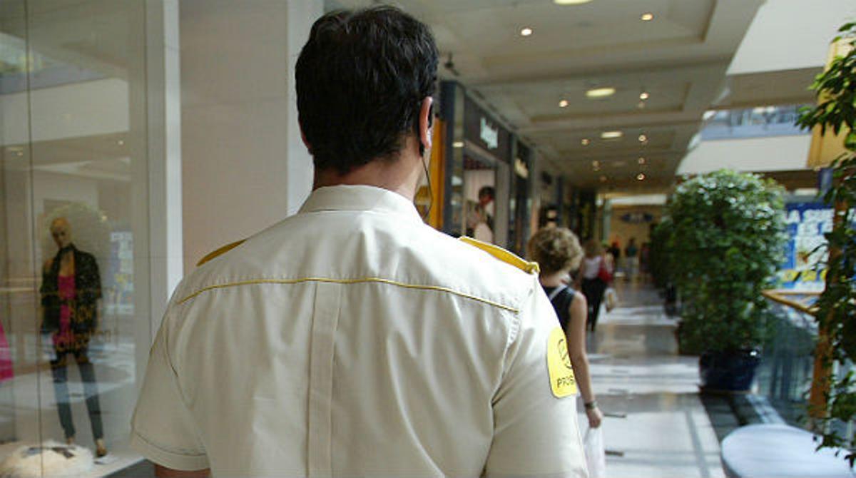 La nueva ley de seguridad privada permitirá a los vigilantes de seguridad patrullar en las calles