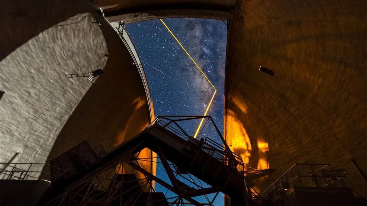 Observatorio Keck de Hawái, desde donde se han efectuado alguna de las mediciones del agujero negro situado al centro de la galaxia