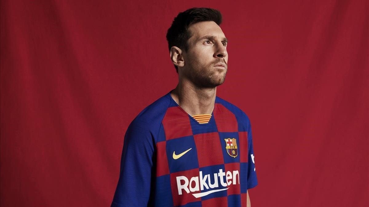 El Barça revela la trencadora samarreta de quadros de la pròxima temporada