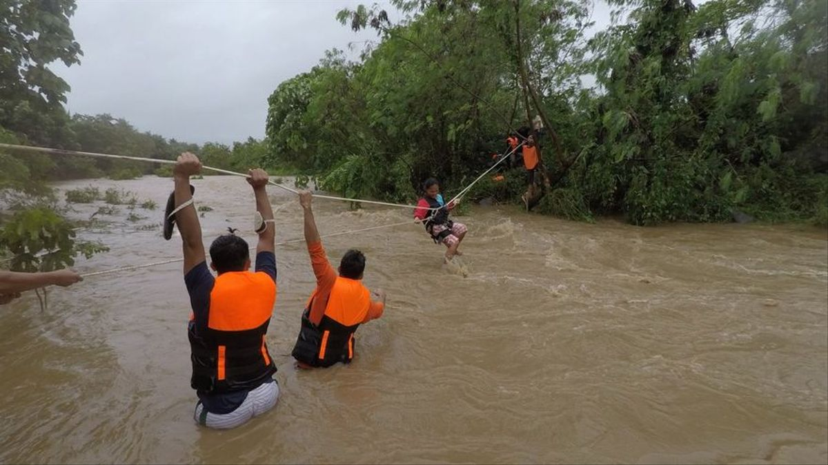 La tempesta tropical 'Kompasu' deixa almenys 30 morts a les Filipines