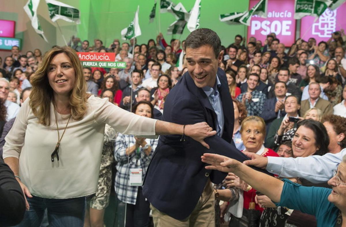 Susana Díaz y Pedro Sánchez, este sábado, en la presentación de la candidatura del PSOE al Ayuntamiento de Sevilla.