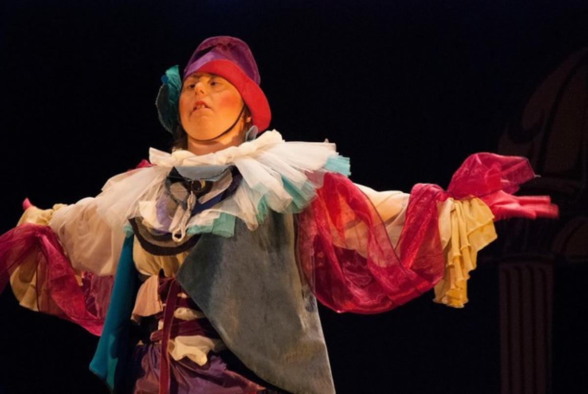 Un momento de la obra 'El malalt imaginari' de la Associació Alquimistes Teatre.