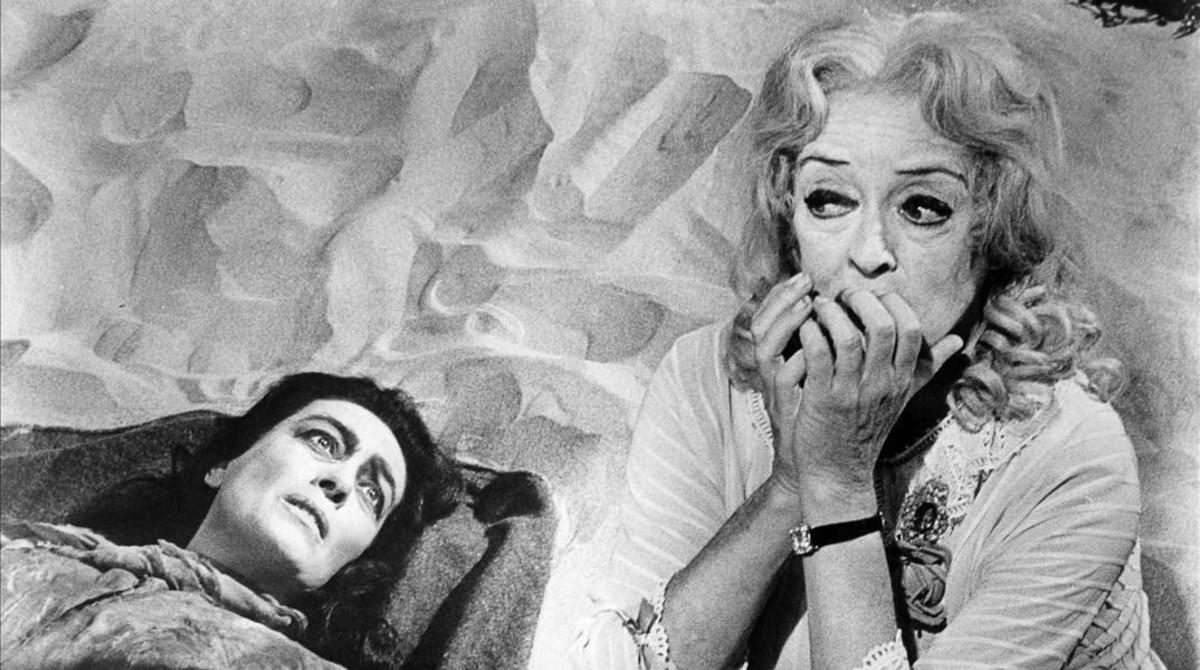 Joan Crawford y Bette Davis, en una escena de la película '¿Qué fue de Baby Jane?'.