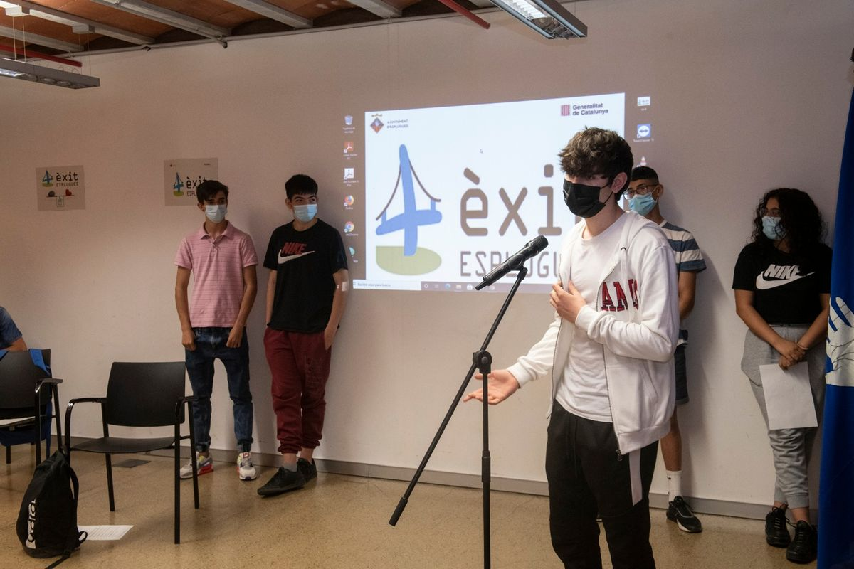 El Proyecto Èxit facilita la continuidad académica a seis alumnos de ESO