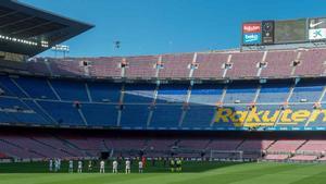 Minuto de silencio por Maradona en el Camp Nou.