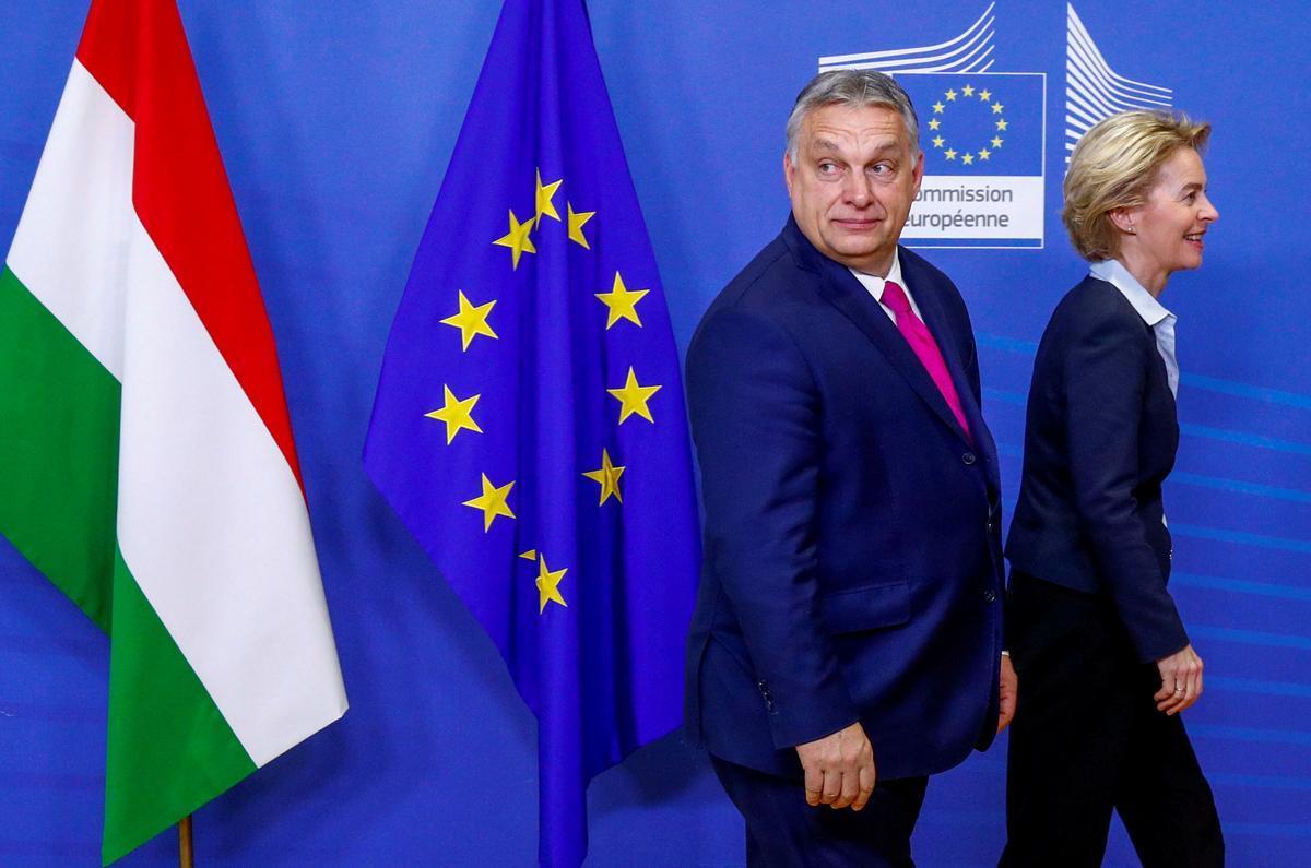 El presidente Viktor Orbán se entrevista con la presidenta de la Comisión Europea, Ursula von der Leyen.