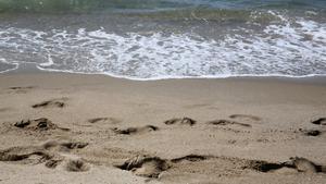 Un home de 77 anys mor ofegat a la platja de Gavà
