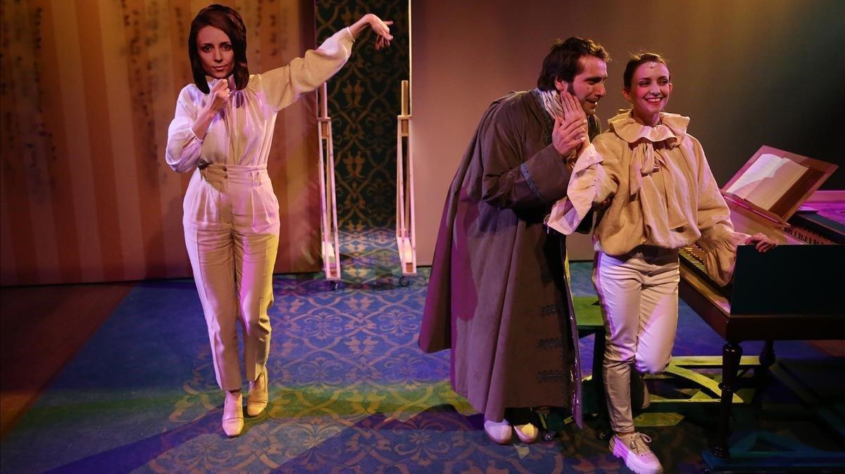 Una momento de'La mascarada', nuevo montaje de Els Pirates para el Teatre Akadèmia.