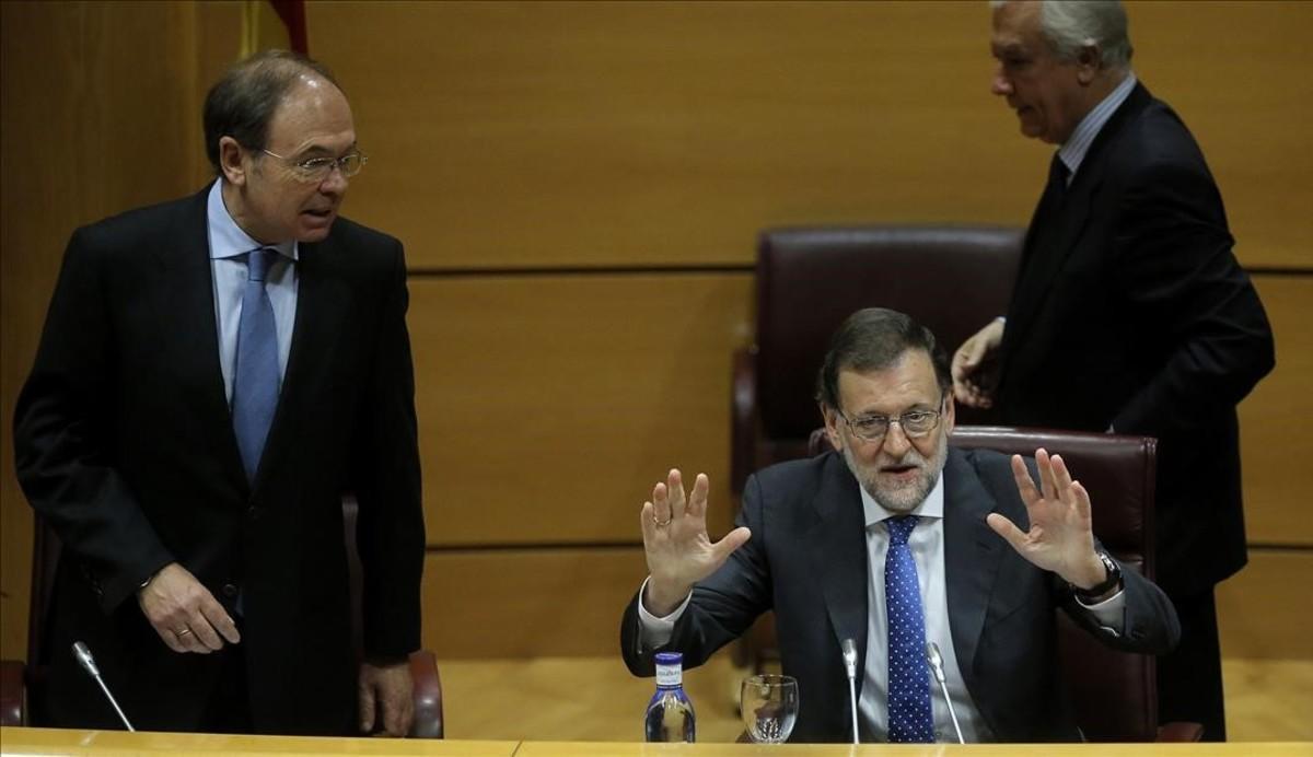 Rajoy avisa de que el diálogo debe ir de la mano de la ley