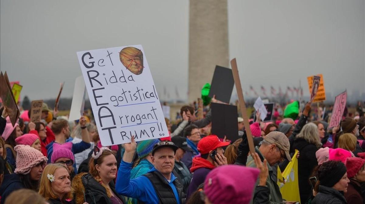 Manifestantes recorren las calles de Washington, este sábado.