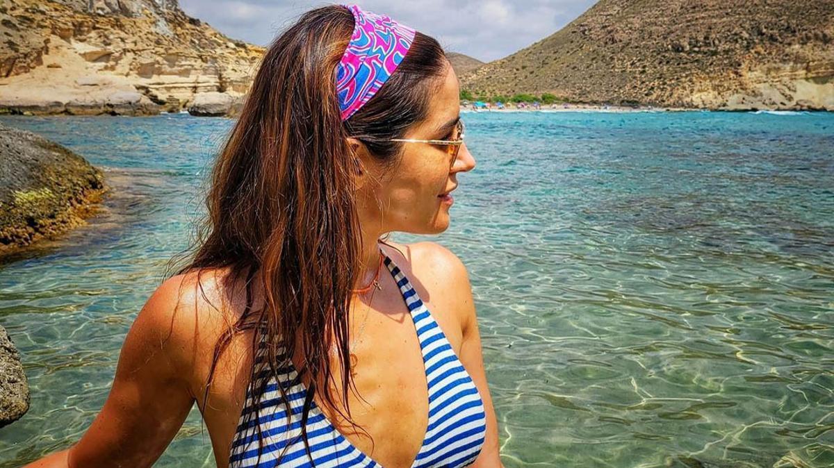 Isabel Jiménez dice adiós a las vacaciones con un posado en biquini
