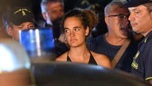 La capitana del Sea Watch, detinguda després d'atracar sense permís a Lampedusa