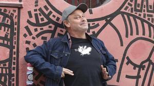 Pablo Carbonell, contento con su novela 'Pepita',en Madrid.