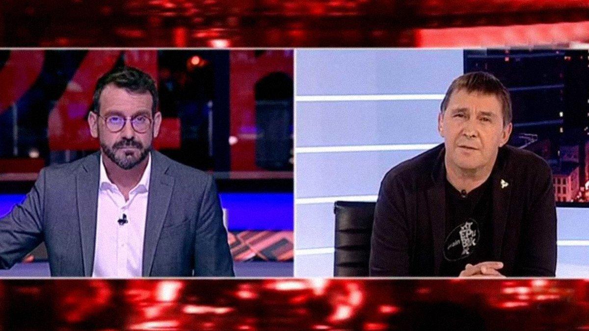 Marc Sala y Arnaldo Otegi.