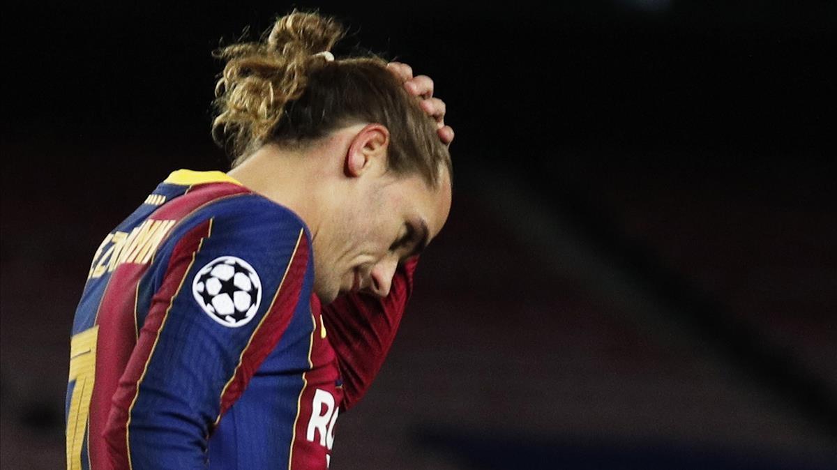 Griezmann se lamenta tras un error en el duelo contra la Juventus en el Camp Nou.