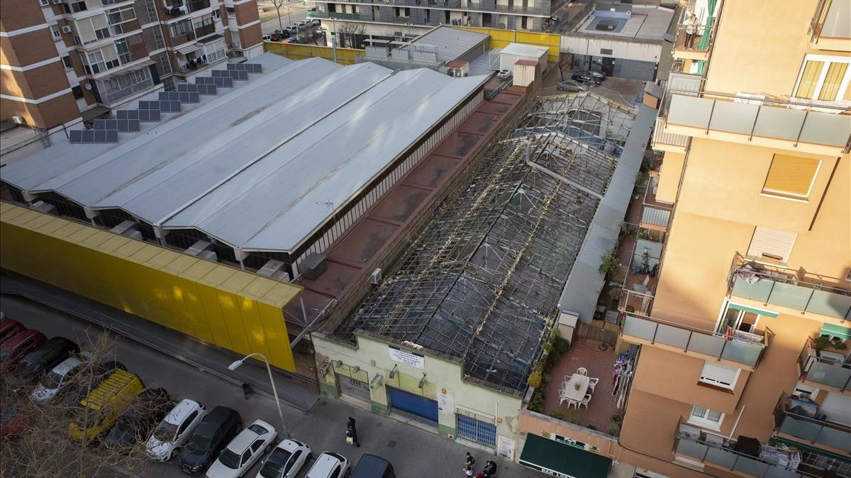 Nave donde se construye una macrococina, junto al mercado de Sant Martí.