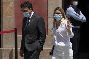 Josep Rius y Elsa Artadi, el viernes, en la última sesión de la investidura de Aragonès.