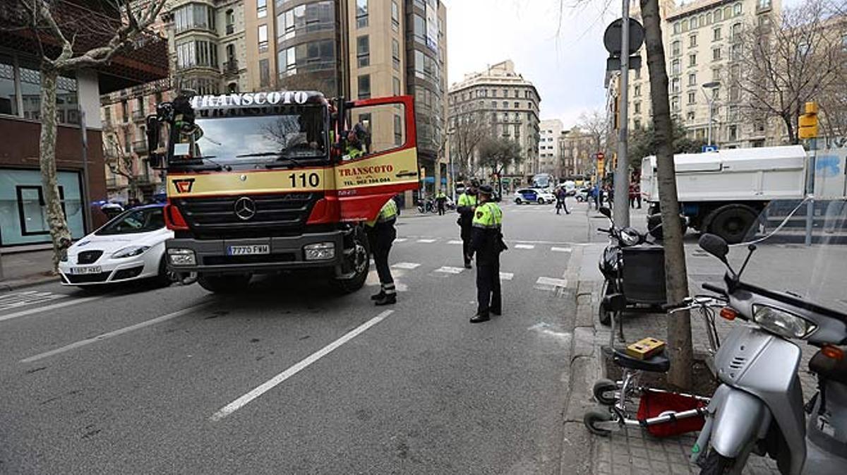 Atropello con una víctima mortal en Rosselló con Pau Claris.