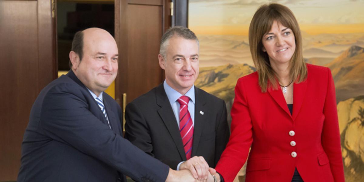 Urkullu y Mendiasellan su acuerdo de Gobierno.