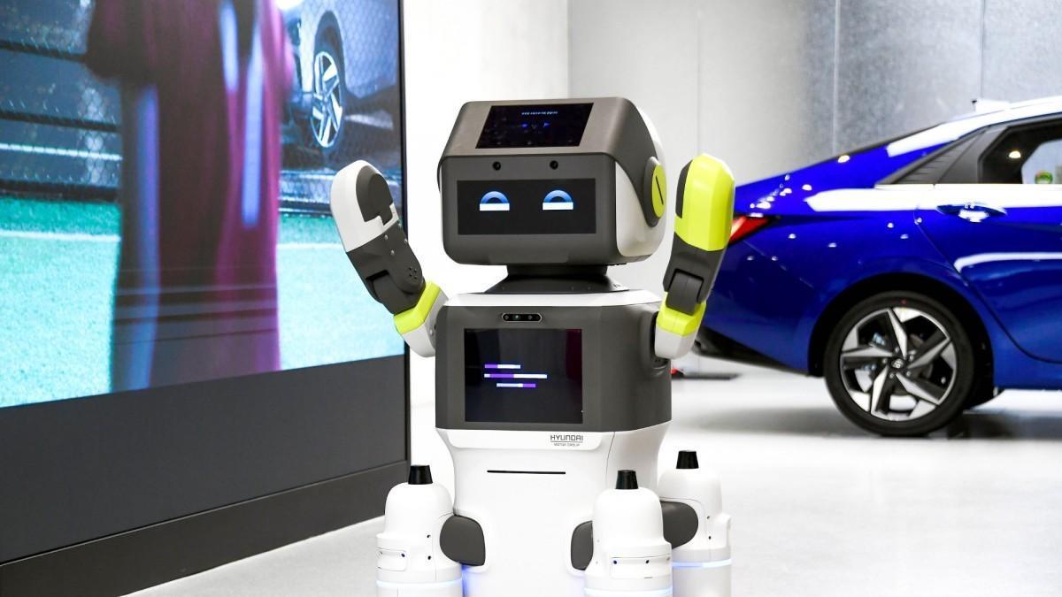 DAL-e, el robot humanoide de atención al cliente de Hyundai.