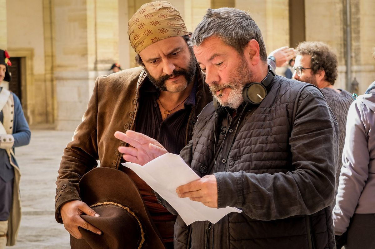 Isak Férriz y Enrique Urbizu en un momento del rodaje de 'Libertad'.