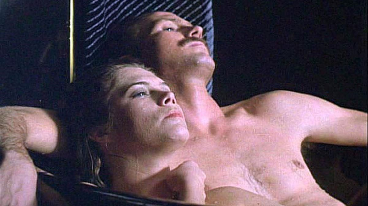 'Fuego en el cuerpo', uno de los momentos más torrido de la historia del cine.