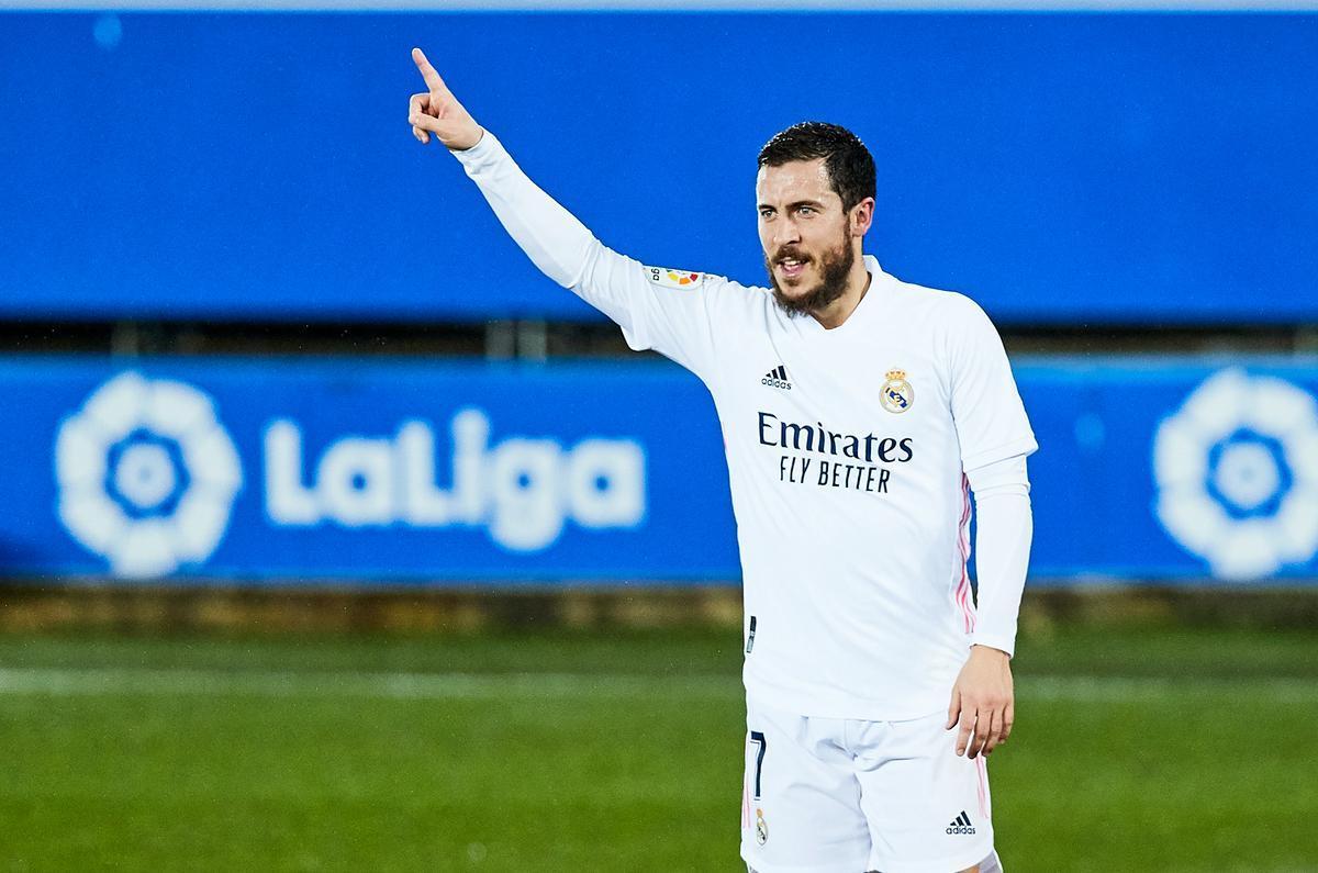 El madridista Hazard celebra un gol ante el Alavés.