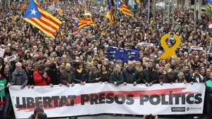 Cabecera de la manifestación de la ANC y Òmnium contra la detención en Alemania de Puigdemont, el pasado 25 de marzo.