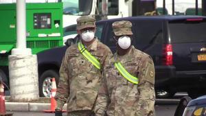 El Gobernador de California, Gavin Newsom, decretó este jueves una cuarentena para los casi 40 millones de residentes del estado y ordenó el cierre de negocios no esenciales con el objetivo de combatir la propagación del coronavirus en el estado.