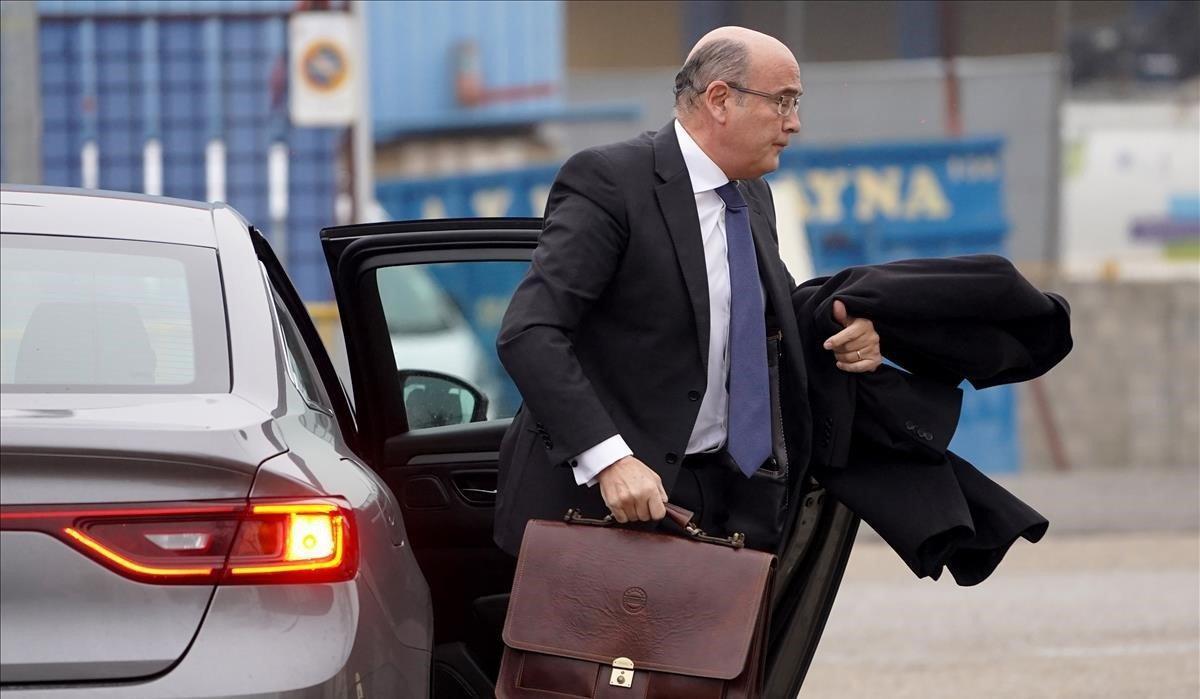 Imagen de archivo del coronel Diego Pérez de los Cobos llegando a una sesión del juicio contra el mayor de los Mossos, Josep Lluís Trapero, en enero pasado.