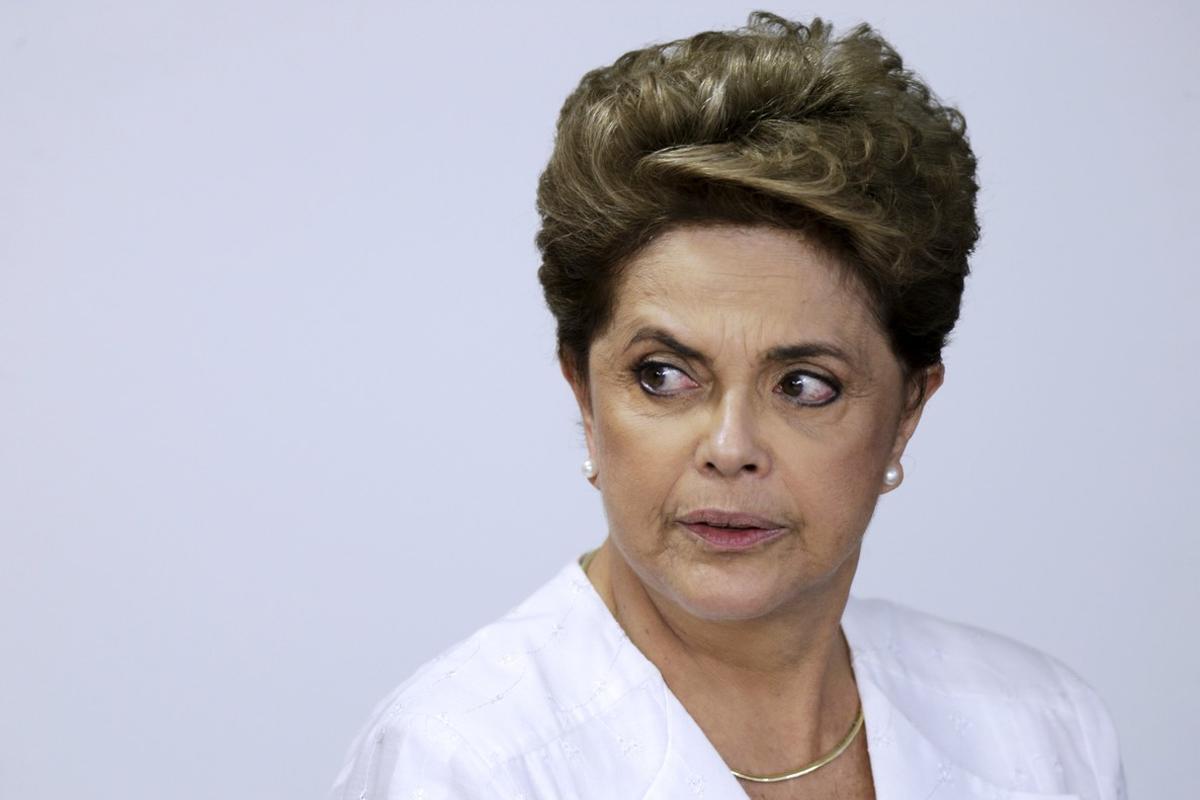 """Rousseff crida els brasilers a mobilitzar-se contra el """"cop d'Estat"""""""
