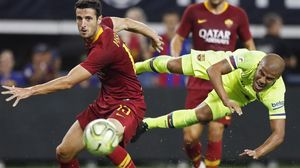 Rafinha dispara ante la oposición de Marcano en el Barça-Roma jugado en Arlington (Texas).