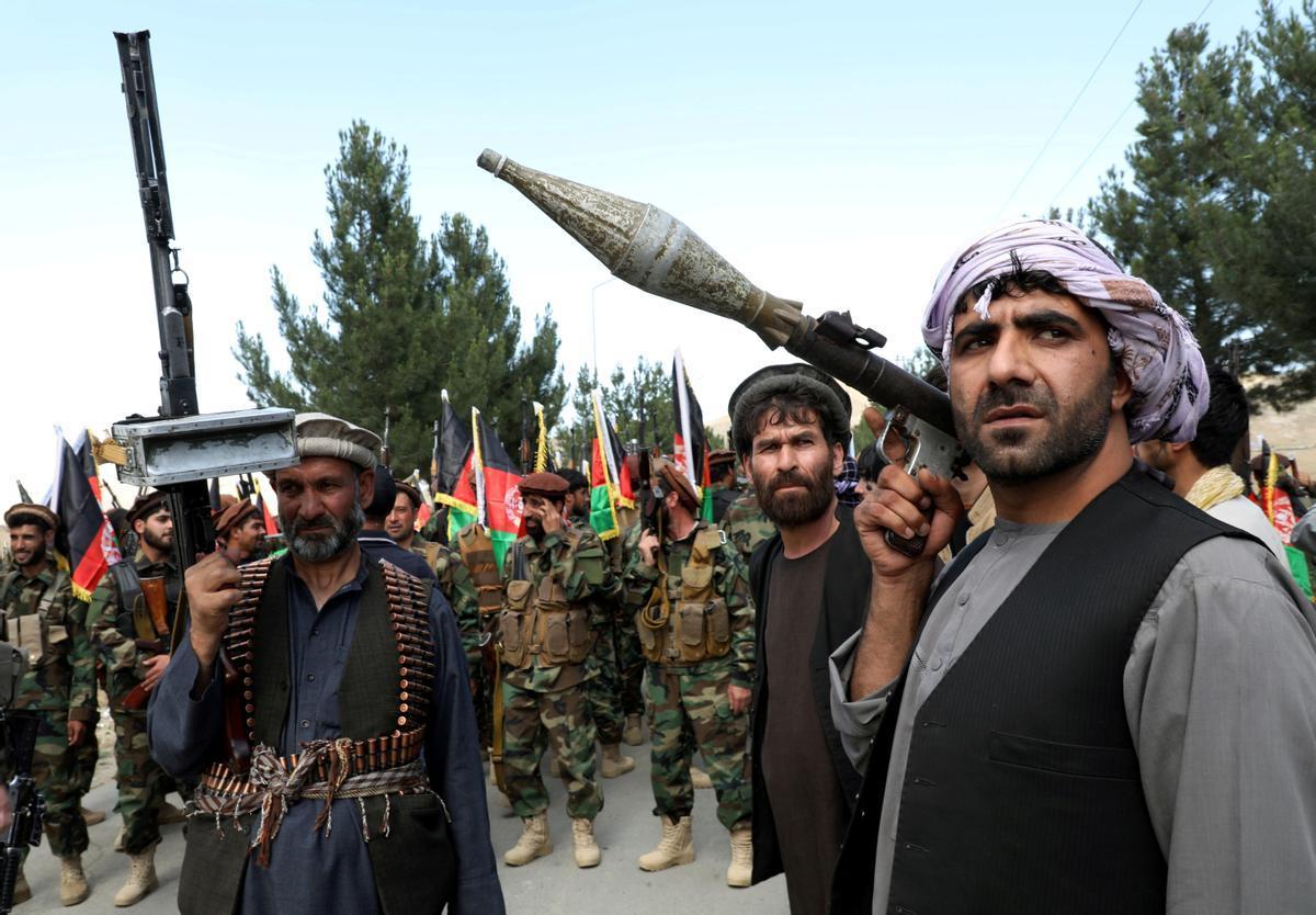 Fuerzas paramilitares que apoya al Ejército afgano en su lucha contra los talibanes.